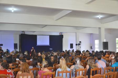III Fórum Municipal de Educação mobiliza professores e diretores no Retatec