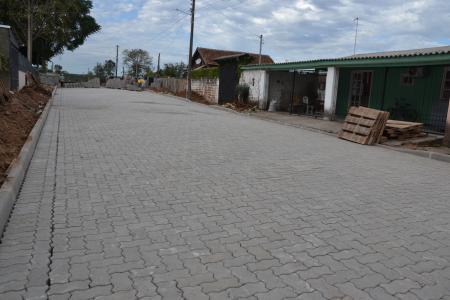 Ruas no Parque do Meio começam a ser pavimentadas