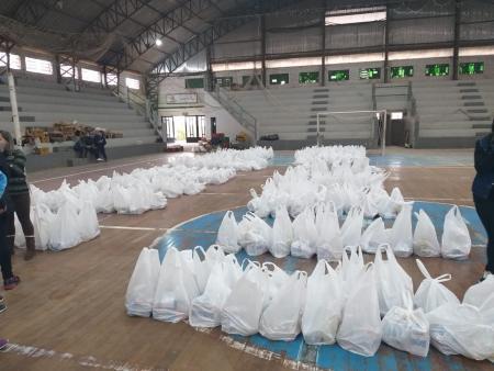 Começa segunda etapa da entrega de cestas básicas a famílias de alunos da rede municipal