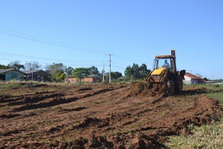 Começa obra de terraplenagem para construção de escola em Taquari