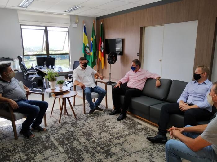 Prefeito André Brito é convidado para compor diretoria da Amvat