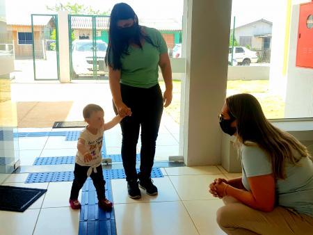 Escola Darcy Ribeiro recebeu os primeiros alunos nesta quarta-feira